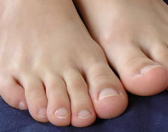 (Tellerite) Tags: feet toes barefeet beautifulfeet prettytoes sexytoes sweetfeet prettyfeet sexyfeet girlsfeet femalefeet teenfeet femaletoes candidfeet beautifultoes baretoes girlstoes girlsbarefeet teentoes teengirlsfeet girlsbarefoot youngfemalefeet candidtoes youngfemaletoes