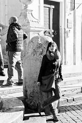 Waiting by the Spanish Steps (James KEZMAN Photo) Tags: leica italy rome roma italia sunday january janvier italie dimanche spanishsteps m9 75mm summarit frèrejacques jameskezman jmkezman ©2012jmkezman thirtysixhoursinrome