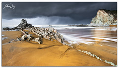 Dark courtain (alonsodr) Tags: longexposure beach rain lluvia seascapes sony playa filter reverse alpha alonso bizkaia euskadi vizcaya graduated inverso marinas pasvasco carlzeiss filtro sopelana largaexposicin degradado nd8 a900 alonsodr gnd8 alonsodaz alpha900 cz1635mm