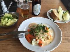 Lunch 13/5 (Atomeyes) Tags: dill senap mat sallad melon stomp fisk l pple brd potatis lk gratng