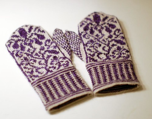 End of May Mittens by kathrynivy.com