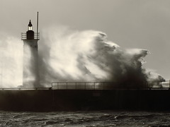 Lost In A Wave/ Perdido En Una Ola (been snapping) Tags: ocean uk winter sea blackandwhite naturaleza lighthouse seascape storm nature water monochrome landscape coast scotland seaside waves wind harbour fife coastal 7d anstruther schotland ecosse eastneuk fifecoastalwalk escosia doubleniceshot tripleniceshot mygearandmepremium canon100mmf28l hurricanebawbag