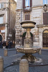 "piazza S.Simeone • <a style=""font-size:0.8em;"" href=""http://www.flickr.com/photos/89679026@N00/6481948253/"" target=""_blank"">View on Flickr</a>"