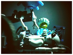 "Say ""Ahhhhhhhh!"" (R D L) Tags: lego alien surgeon series6 minifgures"