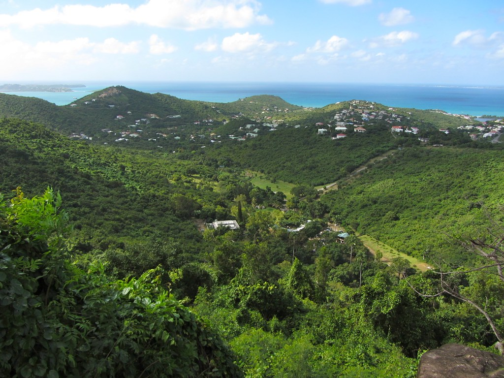 Pic du Paradis Viewpoint, St. Martin