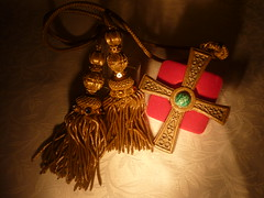 Pectoral Cross ( -*- RhOn -*-  ||o||) Tags: