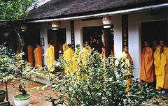 Praying session in Tu Hieu pagoda (Hué, Vietnam 2001) (paularps) Tags: 2001 travel holiday nature vakantie flickr culture vietnam leisure reizen flickrcom destinations vakantiefotos adventuretravel arps paularps