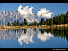 The Emperor's Mirror (H. Eisenreich Foto) Tags: blue trees sky lake alps reflection clouds prime austria see tirol photo ic foto fotografie image hans award himmel wolken going heike getty kaiser alpen blau bergsee landschaft bume spiegelung tyrol wilder 2012 reise gettyimage ellmau reisefotografie poststrasse landschaftsfotografie schmidmhlen kaisergebirge flickraward eisenreich reisefoto mygearandme tanzbodensee eijomian landschftsfoto