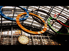 St Pancras Olympic Rings, London (Wagsy Wheeler) Tags: roof london clock station eurostar railway terminal dent railwaystation rings olympics stpancras barlow trainshed 2012 london2012 olympicrings 2012olympics saintpancras stpancrasstation williamhenrybarlow londonolympics stpancrasinternational