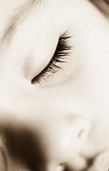 Duerme, mi amor (susivinh) Tags: sleeping macro eye sepia ojo nap sleep daughter precious siesta depechemode 60mm dormir fragile frgil hija durmiendo preciado