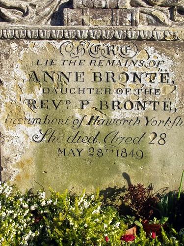 Rencontre avec Anne Brontë au nom d'emprunt d'Acton Bell