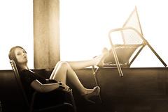 Amanda Ambrozio (Mn) Tags: amanda black sepia photography book nikon pic modelo contraste editorial years fotografia 18 alto vestido sapato cadeira antunes 18anos enquadramento d3000