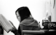 Tea time, reading time (The91) Tags: leica winter portrait bw film home zeiss 50mm singapore fuji time tea read negative 400 fujifilm neopan eleanor m2 ilford changzhou planar wy leicam2 carlzeiss ddx ilfordddx carlzeissplanart250
