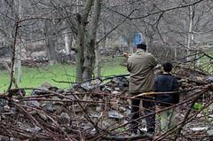 !مردی که آواز پرندگان را دوست نداشت (Esmaeel Bagherian) Tags: gun hunter hunt 2014 پرندگان اسلحه شکار شکارچی تفنگ