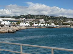 La multitude de chapiteaux du festival de Cannes (armandtroy906) Tags: france cannes pierre paca mai nathalie gilles denis vieuxport croisette 2016 chapiteau grandsurprise surprisepartie clubvarmer convoyageaulavandou