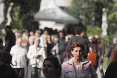 Artigianato e Palazzo (anseo_it) Tags: casa italia estate persone villa donne firenze museo toscana turismo sfocato camminare giardinopubblico metaturistica europacontinente strutturaedile