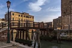 venezia 160403_273 (gmcvrphoto) Tags: ponte pali acqua venezia riflessi canale lampione legno palazzi allaperto