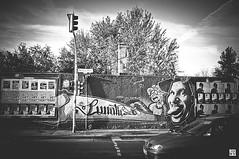 (Chez Joe) Tags: street bw berlin 35mm graffiti fuji tag side streetlife joe voiture nb east finepix graff rue ville x100 fujix100 jokv gallerychezjoechez