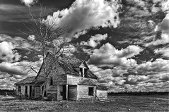 1898 (A O'Brien) Tags: sky blackandwhite abandoned clouds rustic oldhouse