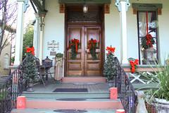 Victorian Entry (Linda's Fotos) Tags: door entryway entrance christmas wreath greenery decoration victorian juliaann parkersburg wv