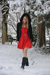 walking3 (jennymckaysfashionandmusic) Tags: schnee red music snow green fashion umbrella schweiz mckay dress boots jenny blond snowprincess
