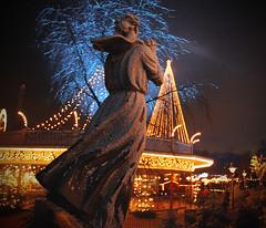 Christmas Theme Liseberg (Johan Runegrund) Tags: christmas xmas winter statue night göteborg niceshot gothenburg liseberg jul natt polketten abigfave ringexcellence