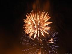 Feliz Ano Novo a Todos!!!! Happy New Year to all!!! (Bert'sPhotos) Tags: fire firework anonovo 2012 foguetes fogos fogosdeartifício queimadefogos pirotécnico