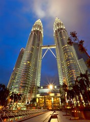 twin tower (Dyahniar Labenski) Tags: travel family holiday nikon petronas towers malaysia bluehour twintower 1024mm d7000 dyahniar
