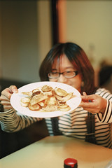 Christmas Feast (wsifrancis) Tags: winter film minolta taiwan fujifilm taipei    2011 xgm fujifilmxtra400 minolta50mmf17