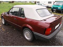 Ford-Escort-Cabrio-(1983-90)_burgundi_weiss_1