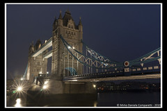 "Tower bridge <a style=""margin-left:10px; font-size:0.8em;"" href=""http://www.flickr.com/photos/66444177@N04/6704022741/"" target=""_blank"">@flickr</a>"