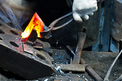 Hurry (Newt_chebu) Tags: longexposure japan canon eos action 7d blacksmith japon oita hita wwoofing wwoofer stealcraft