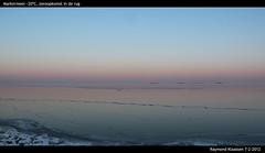 Konvooi op het Markermeer voor zonsopkomst (raymondklaassen) Tags: 20 ijs koud vorst markermeer zonsopkomst konvooi ijsvlakte