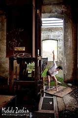 Dance-08 (Michele Zecchin) Tags: portrait color art abandoned industry colors portraits project photography dance mood factory arte danza flash dream michele setting ritratti industria ritratto abandonment sogno dismessa fabbrica progetto fotografico abbandono abbandonata zecchin ambientazione progettofotografico statodanimo nikon18105 nikond7000