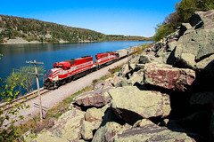 Whisky Southern On The Rocks (sdl39hogger) Tags: emd sd402 wsor wisconsinsouthern electromotivedivision reedsburgsub l864