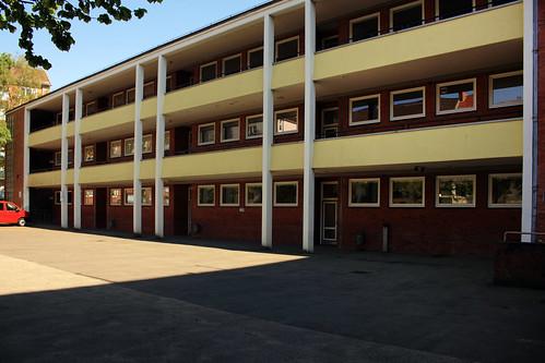 "Alte neue Muhliusgrundschule, Kiel (03) • <a style=""font-size:0.8em;"" href=""http://www.flickr.com/photos/69570948@N04/26846789611/"" target=""_blank"">View on Flickr</a>"