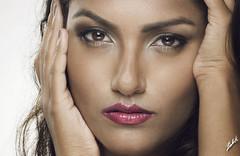 Tanya (akachoke) Tags: portrait beauty canon 50mm singapore indian portraiture strobe 40d