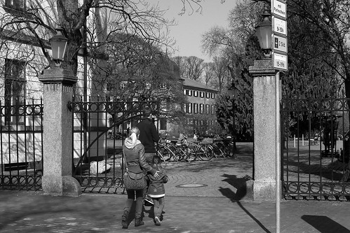"Am Schlossplatz, Eutin (07) • <a style=""font-size:0.8em;"" href=""http://www.flickr.com/photos/69570948@N04/27024938555/"" target=""_blank"">View on Flickr</a>"
