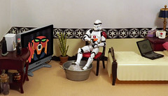 Cooling Off on the Death Star (ChicaD58) Tags: plant lamp actionfigure tv chair cola laptop popcicle pillow chilling mug stormtrooper cooling coffeemaker stb endtable clonetrooper starwarsactionfigure boxoftissues stormtrooperbruce minicommemorativedarthbottleofscotch tubofice dscf4176d loghotdaysinthesun