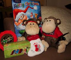 Saying goodbye (Chunky van Monkey) Tags: monkey advent calendar african adventure stuffedanimal surprise eggs chunky wrinkly