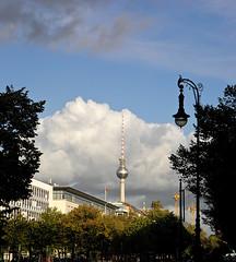 photo - Unter den Linden Str. (Jassy-50) Tags: tree berlin tower germany photo streetlight crane streetlamp unterdenlinden fernsehturm tvtower unterdenlindenstr