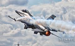 F-16 Viper (WeChitra Photography) Tags: speed airplane wings aircraft aviation military jet fast airshow f16 supersonic thrust lockheedmartin fighterjet abhisheksingh militaryjet f16viper canoneos5dmarkii illuminativisuals