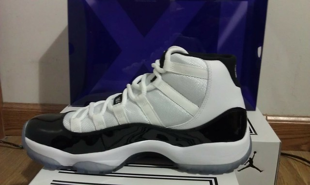 Brand New AIR JORDAN 11 XI CONCORD sz 9.5