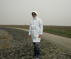 Friesennerz (Nordsee2011) Tags: boots raincoat rubberboots rainwear gummistiefel rainboots regenjacke regenmantel rainclothes friesennerz ostfriesennerz regenkleidung regenbekleidung weatherwear