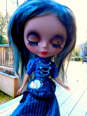 grimina (cybermelli) Tags: sky black grey doll skin vampire heather teeth gray tan mohair blythe custom takara cocnut