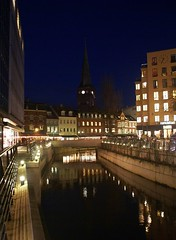 The canal at late dusk (Jaedde & Sis) Tags: canal thumbsup aarhus refelction bigmomma en a3b pregamewinner