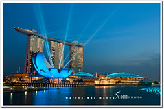 Singapore marina bay sands (fiftymm99) Tags: museum marina river lights bay nikon singapore laser sands d300 artscience fiftymm99 gettyimagessingaporeq2 singaporecountdown2012