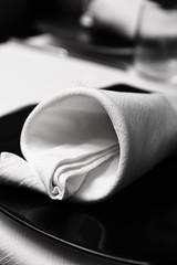 26122011-IMG_6502.jpg (godzillante|photochopper) Tags: bw table place napkin bn tavolo ristorante interno posto tovagliolo tavoli serrasanbruno zenzero