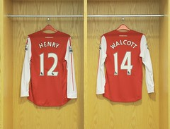 Henry and Walcott shirts (Stuart MacFarlane) Tags: england london football unitedkingdom soccer budweiser facup 3rdround gbr soccertournament clubsoccer roundthree competitionround
