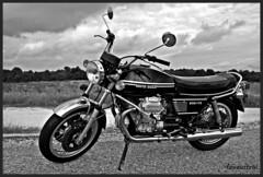1978 Moto Guzzi 850 T3 (Fouaustral) Tags: classic canon vintage spain andalucia motorbike moto motorcycle oldtimer 1978 t3 motoguzzi guzzi 850 motorrad motocyclette clasica eos400d canonblackwhite garagedelarenaissance